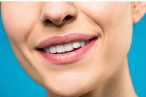 水雷射可謂牙科醫療的重大發明,是現代人的一大福音!但是,水雷射不是貨比三家不吃虧,民眾挑選診所時,還要考慮診所信譽、過往的案例、醫師專業度等。那麼,水雷射費用多少才合理?水雷射的魅力在哪?水雷射植牙比起傳統人工植牙更安全嗎?會有水雷射後遺症的症狀產生嗎?上述問題就讓新竹日光翡麗水雷射植牙馬瑞宏院長,為您深度解答。水雷…