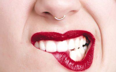 陶瓷牙冠等於全瓷牙冠嗎?他們有什麼不一樣?